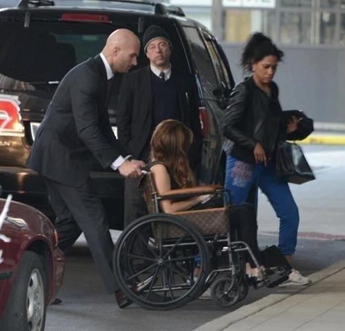 Lady Gaga Sedia a Rotelle