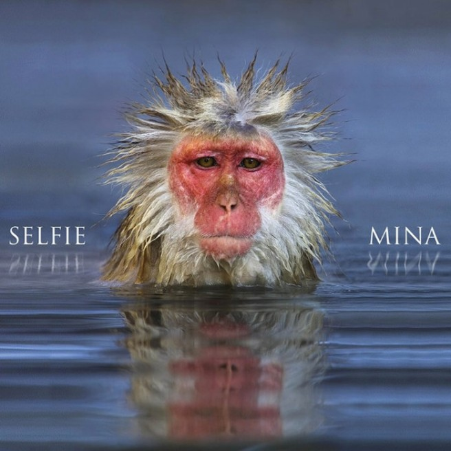 mina-selfie-656x656
