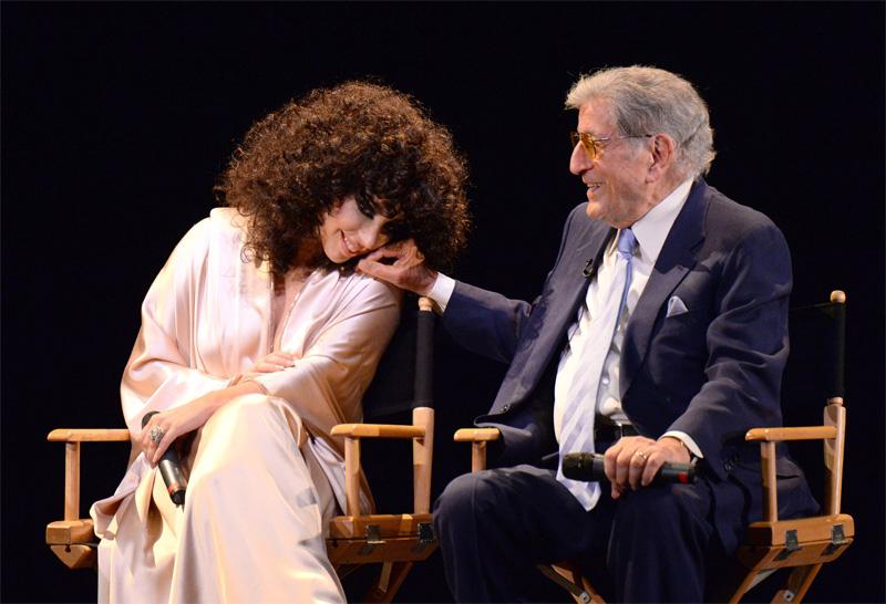 Lady-Gaga-and-Tony-Bennett-at-Frank-Sinatra-School-of-Arts-6