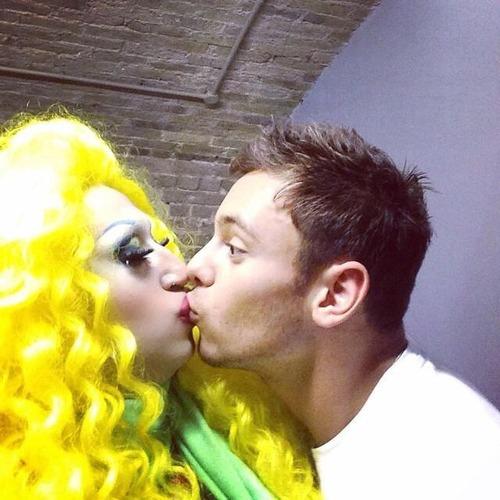 tom daley drag queen kiss kissing