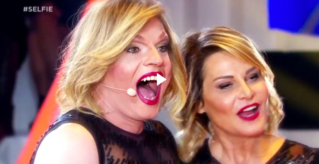 simona-ventura-selfie-drag-queen