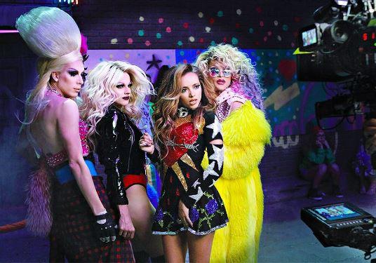 Alaska, Willam e Courtney Act Little Mix Video (2)