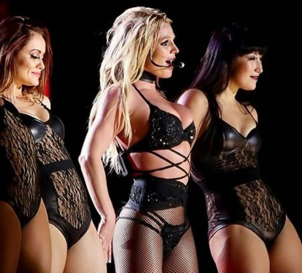 Britney Spears Live On Tour (1)