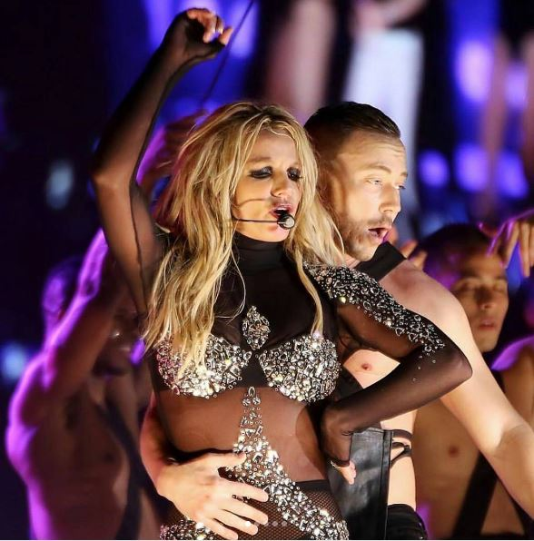Britney Spears Live On Tour (2)