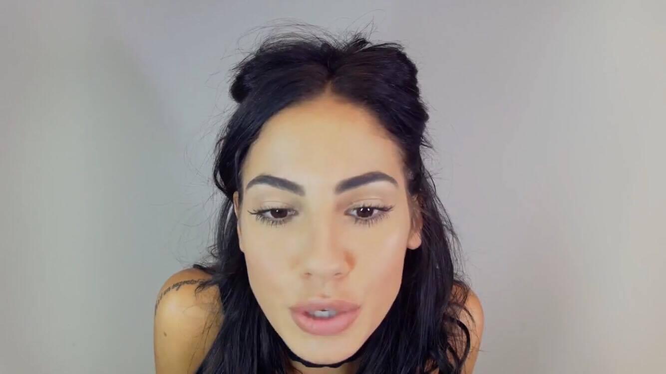 Giulia De Lellis Tutorial Make Up YouTube (3)