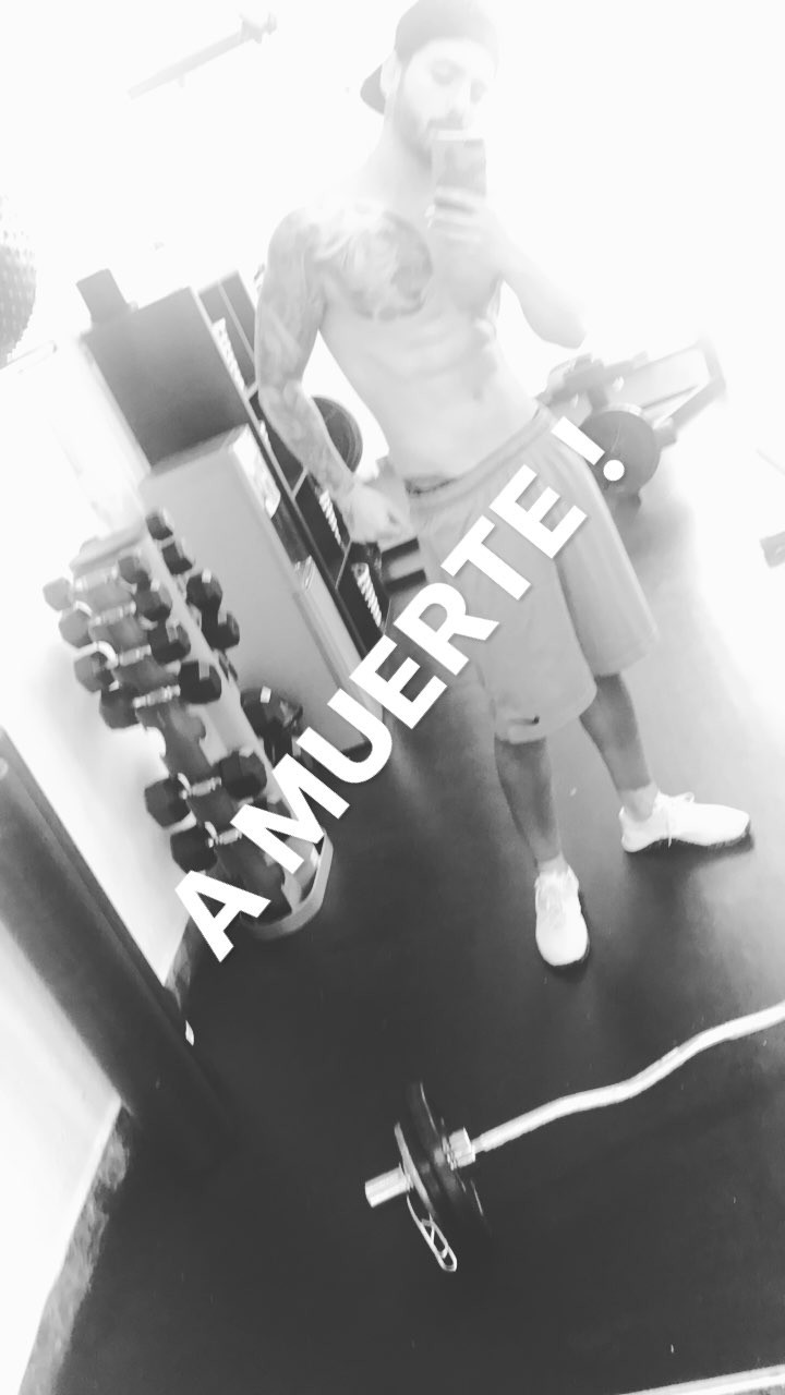Maluma selfie after gym (2)