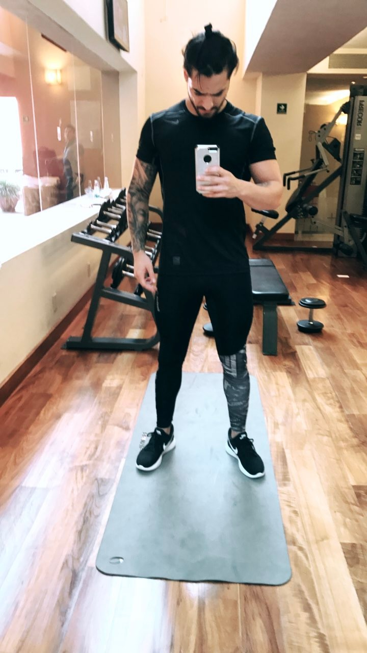 Maluma selfie after gym (4)